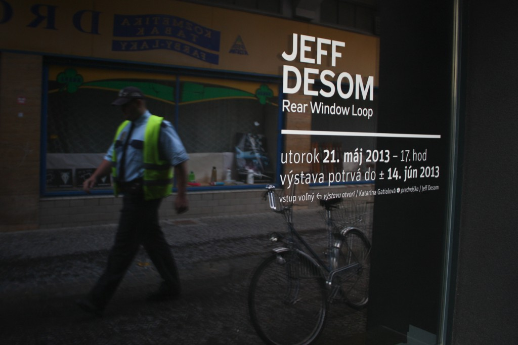 Jeff Desom: Rear Window Loop